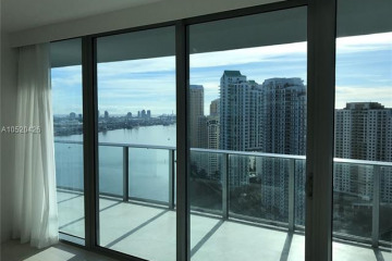 Home for Sale at 200 Biscayne Boulevard Way #3207, Miami FL 33131