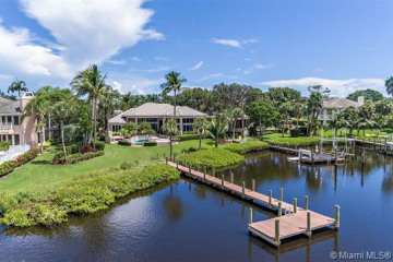 Home for Sale at 18165 SE Ridgeview Dr, Tequesta FL 33469