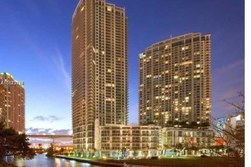Home for Sale at 92 SW 3rd St #3908, Miami FL 33130