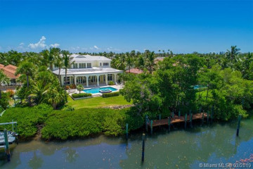 Home for Sale at 6926 SE Harbor Cir, Stuart FL 34996