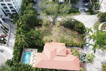 Home for Sale at 3555 E Fairview Drive, Miami FL 33133