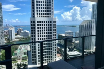 Home for Rent at 68 SE 6th St #2707, Miami FL 33131