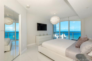 Home for Rent at 16699 Collins Ave #3505, Sunny Isles Beach FL 33160