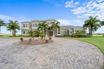Home for Sale at 3225 SW Briarbrook Way, Palm City FL 34990