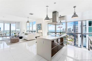 Home for Sale at 1100 Biscayne Blvd #3001, Miami FL 33132