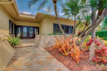 Home for Sale at 8591 SW 140th Ter, Palmetto Bay FL 33158