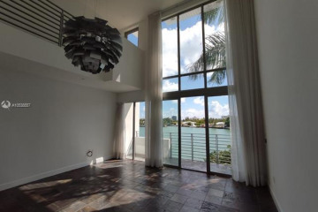 Home for Rent at 171 N Shore Dr #171-2, Miami Beach FL 33141