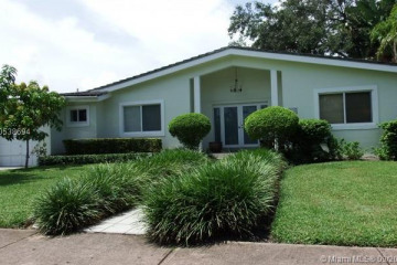 Home for Rent at 725 Benevento Ave, Coral Gables FL 33146