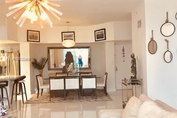 Home for Rent at 701 Brickell Key Blvd #202, Miami FL 33131