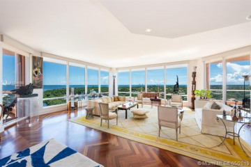 Home for Sale at 60 Edgewater Dr #14A, Coral Gables FL 33133