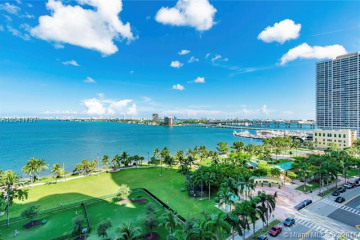 Home for Sale at 1800 N Bayshore Dr #3010, Miami FL 33132