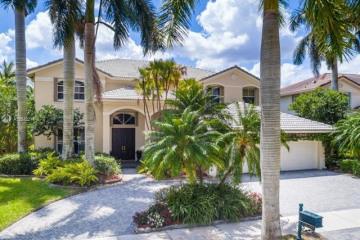 Home for Rent at 1636 Victoria Pointe Cir, Weston FL 33327