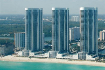Home for Sale at 15811 Collins Ave #2005, Sunny Isles Beach FL 33160