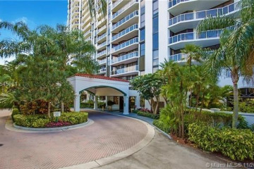 Home for Sale at 3640 Yacht Club Dr #1204, Aventura FL 33180