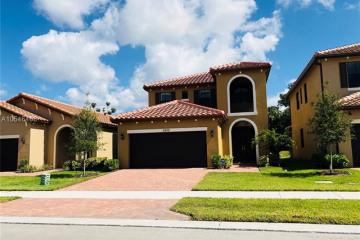 Home for Sale at 5200 NW 48th Ln, Tamarac FL 33319