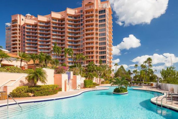 Home for Sale at 60 Edgewater Dr #3C, Coral Gables FL 33133