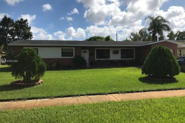 Home for Sale at 4778 NW 5th Ct, Plantation FL 33317