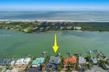 Home for Sale at 17887 SE Federal Hwy, Tequesta FL 33469