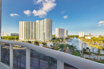 Home for Sale at 15811 Collins Ave #1206, Sunny Isles Beach FL 33160