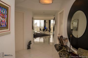 Home for Sale at 3000 Island Blvd #2506, Aventura FL 33160