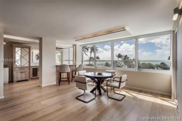 Home for Sale at 2 Grove Isle Dr #B302, Miami FL 33133
