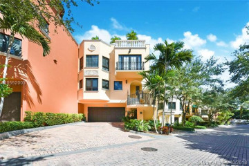Home for Sale at 3471 Main Hwy #1032, Coconut Grove FL 33133