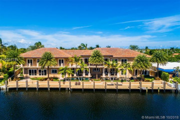 Home for Sale at 2620 NE 41st St, Lighthouse Point FL 33064