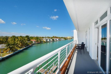Home for Rent at 7700 Tatum Waterway Dr #402, Miami FL 33141