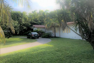 Home for Rent at 9870 SW 69th Ave, Pinecrest FL 33156