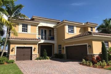 Home for Sale at 10190 Peninsula Pl, Parkland FL 33076