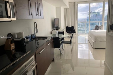 Home for Rent at 485 Brickell Ave #4305, Miami FL 33131