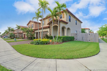 Home for Sale at 456 SE 35th Ave, Homestead FL 33033