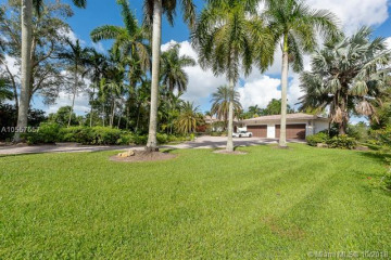 Home for Sale at 12281 NW 8th St, Plantation FL 33325