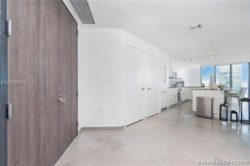 Home for Sale at 88 SW 7th St #3901, Miami FL 33130