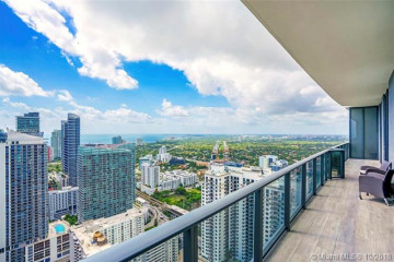 Home for Sale at 45 SW 9th St #4504, Miami FL 33130
