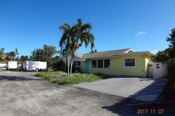 Home for Sale at 9336 Roan Ln, West Palm Beach FL 33403