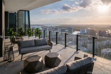 Home for Sale at 17141 Collins Ave #3402, Sunny Isles Beach FL 33160