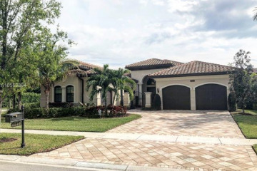 Home for Sale at 8510 Hawks Gully Ave, Delray Beach FL 33446