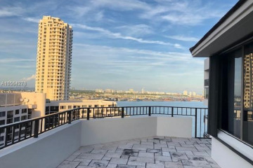 Home for Sale at 520 Brickell Key #APH 12, Miami FL 33131