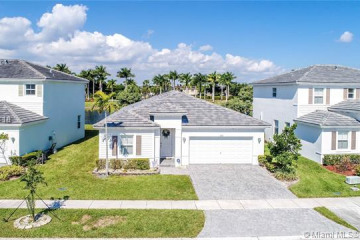 Home for Sale at 3441 NE 2nd St, Homestead FL 33033