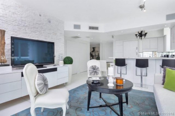 Home for Sale at 10 Venetian Way #806, Miami Beach FL 33139