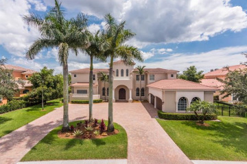 Home for Sale at 12738 Equestrian Trl, Davie FL 33330