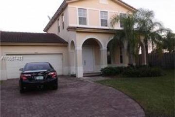 Home for Sale at 2001 NE 40th Rd, Homestead FL 33033