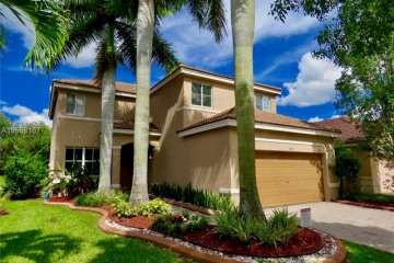 Home for Rent at 1070 Bluewood Ter, Weston FL 33327