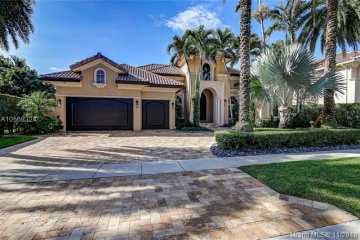 Home for Sale at 425 Sweet Bay Ave, Plantation FL 33324