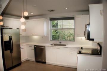 Home for Rent at 325 Meridian Av, Miami Beach FL 33139