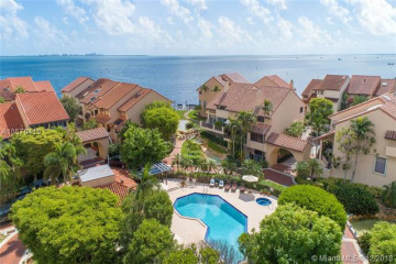 Home for Sale at 2000 S Bayshore Dr #71, Coconut Grove FL 33133
