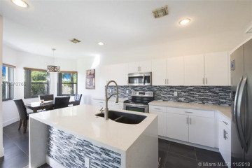 Home for Sale at 226 NE 31st Ave, Homestead FL 33033