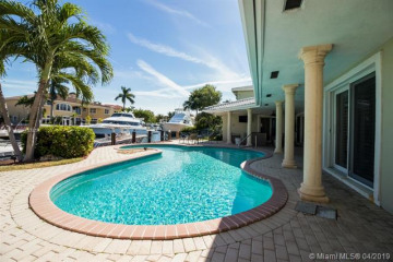 Home for Sale at 3720 NE 27th Ave, Lighthouse Point FL 33064