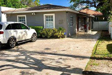 Home for Sale at 3225 Oak Ave, Miami FL 33133